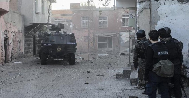 Bağlar'da şiddetli çatışma! Asker de ilçeye girdi