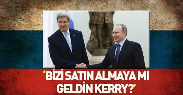 Putin'den Kerry'i şok eden espri!