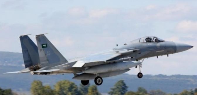 Suudi uçakları DAEŞ'i ilk kez vurdu!
