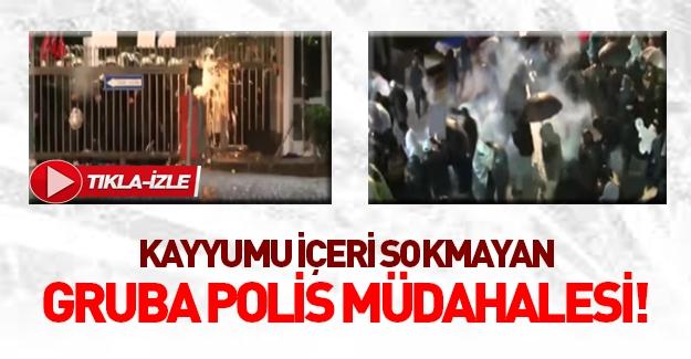 Zaman Gazetesi'ne girişi engelleyen gruba müdahale!
