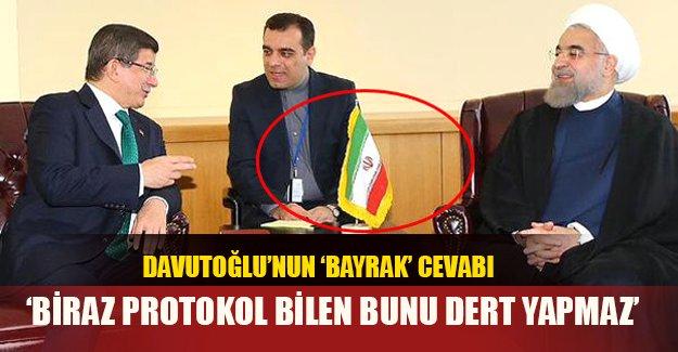 Davutoğlu 'bayrak' eleştirilerine yanıt verdi!