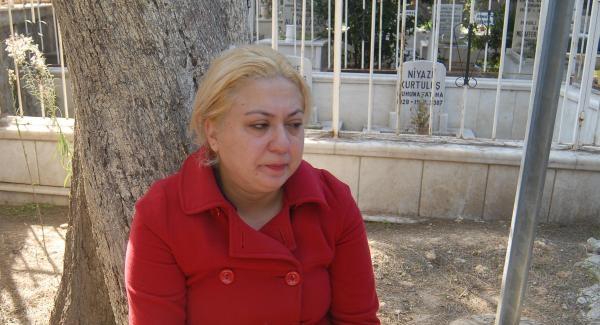 """""""Acıların kadını"""" bir sene içinde babasını kaybetti, kardeşi intihar etti, annesi ise kaçtı..."""