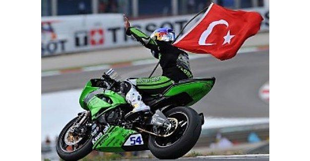 Kenan Sofuoğlu yine dünya şampiyonu!