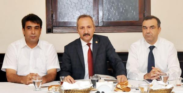 """MHP'li Yurdakul: """"Çıksın Kuran'a el bassın"""""""