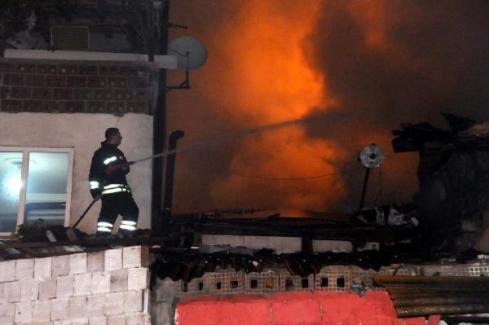 Tokat'ta iki katlı ev kül oldu! 10 bin TL yandı iddiası doğru mu?