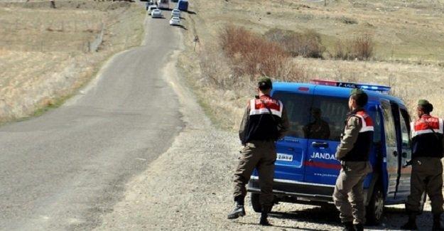 Ağrı'da yasa dışı yollarla ülkeye giriş yapan 207 kaçak yakalandı!