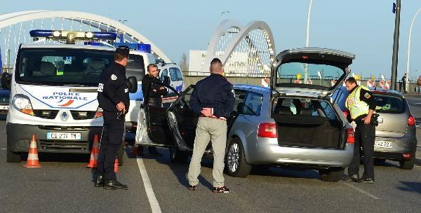 Avrupa alarmda! Sınırda kontroller artırıldı, Abdeslam Salah her yerde aranıyor