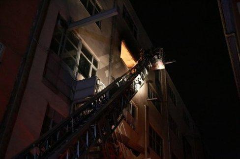 Bayrampaşa'da sanayi sitesinde yangın! Peki yangın alevler neden çıktı?
