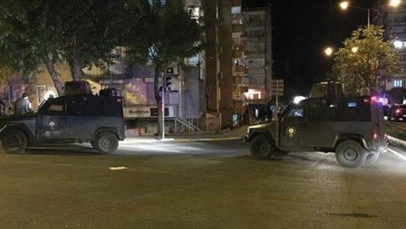 Diyarbakır'da hain saldırı! PKK'lılardan polise bombalı saldırı