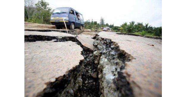 İran 5,3 büyüklüğünde depremle sarsıldı!