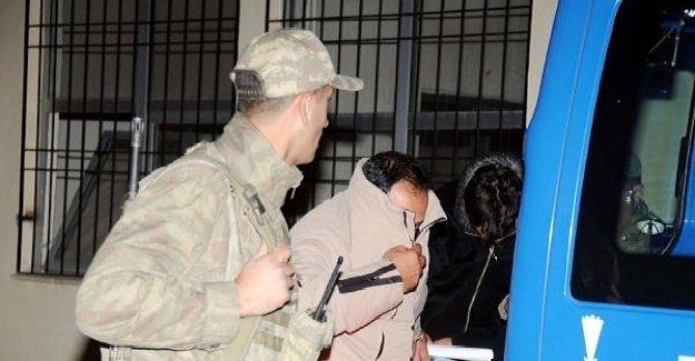 İŞID'den kaçan iki Türk tutuklandı!