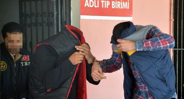 'Çekmeyin Kafirler!' IŞİD'e katılmak isteyen 38 yabancı yakalandı (Adana haberleri)