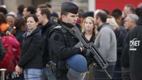 IŞİD'in Paris saldırılarını üstlendiği videoda konuşan kişi Fransız