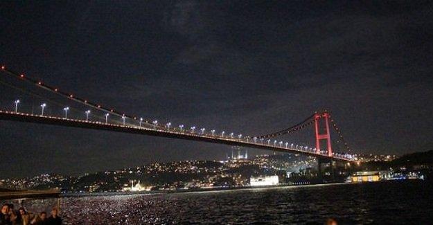 İstanbul, ''Kadına Karşı Şiddetle Mücadele'' için turuncuya büründü!