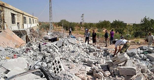 Rusya sivilleri vurmaya devam ediyor! Azez bombalandı!
