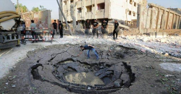 Sina'da sular durulmuyor! IŞİD Hakimlerin kaldığı oteli vurdu!