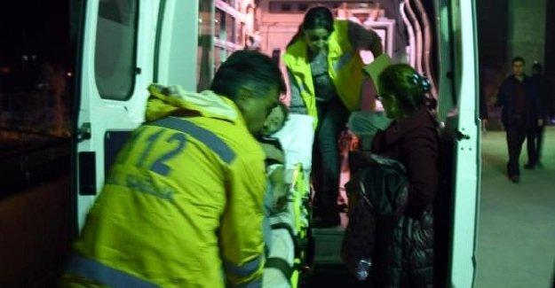 SON DAKİKA: Van'ın Gürpınar İlçesi'nde trafik kazası! 8 kişi yaralandı!