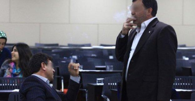 Adana Meclis salonu duman altı!