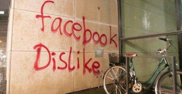Almanya'da Facebook'un merkezine saldırı