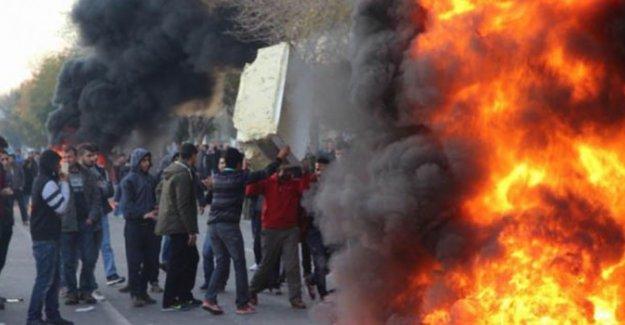 Diyarbakır'da provokasyon: Polise ses bombalı ve taşlı saldırı