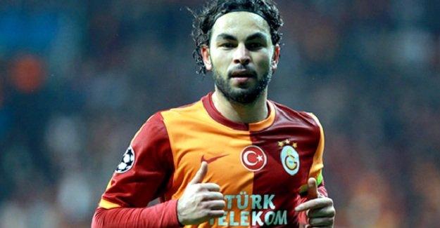 Galatasaray takım kaptanı Selçuk İnan engellileri ziyaret etti!