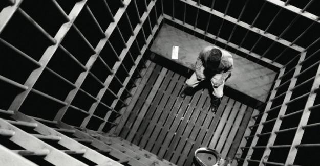 Hapishanede yer kalmayınca başka ülkeye nakledildiler!