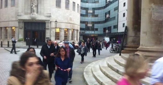 Londra'da bomba paniği: BBC binası tahliye edildi