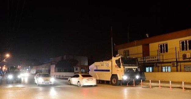 SON DAKİKA: Adana'da polis merkezine saldırı!