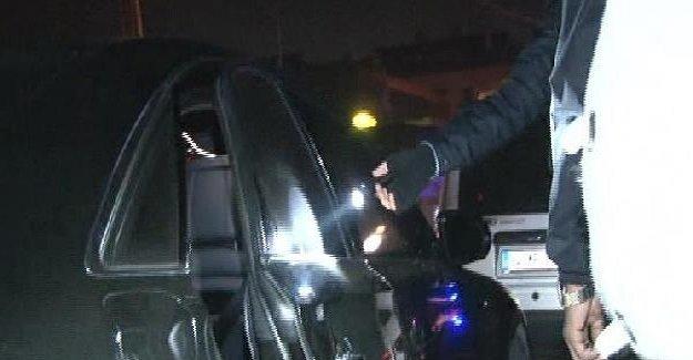 SON DAKİKA: İstanbul'da ünlü iş adamının aracı kurşunlandı!