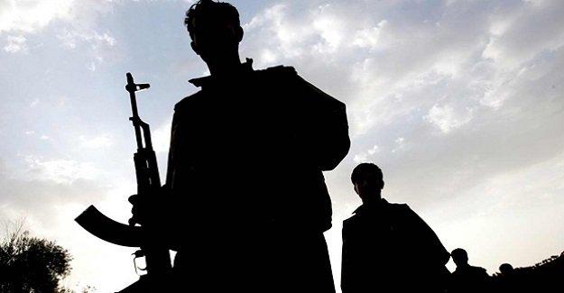 SON DAKİKA: PKK'lı teröristler Cizre'de polis kaçırdı!