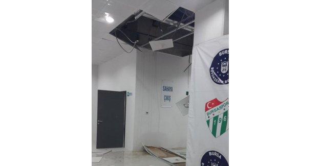 Timsah Arena'da tavan çöktü