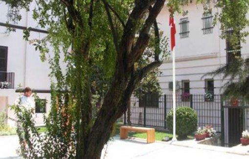 Türk başkonsolosluğuna saldırı!