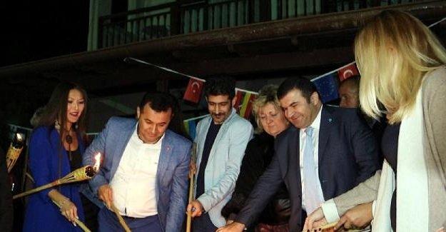 Türkiye ile Rusya arasındaki gerilimin son bulması için dilek feneri uçurup ateş yaktılar!