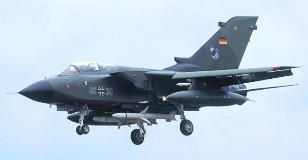 Alman tornadoları geceleri keşif uçuşu yapamıyor