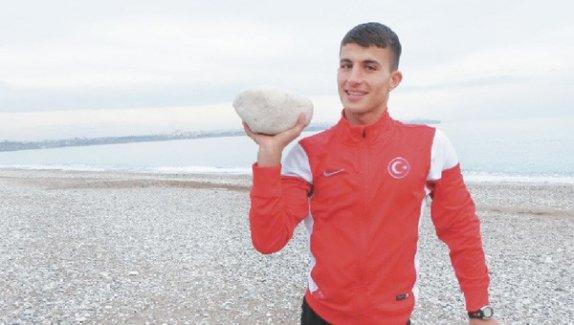 Polise taş atan Mardinli atletizme başlayınca hayatı değişti!