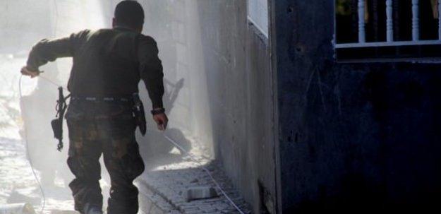 Sur'da art arda saldırı: 11 asker yaralı