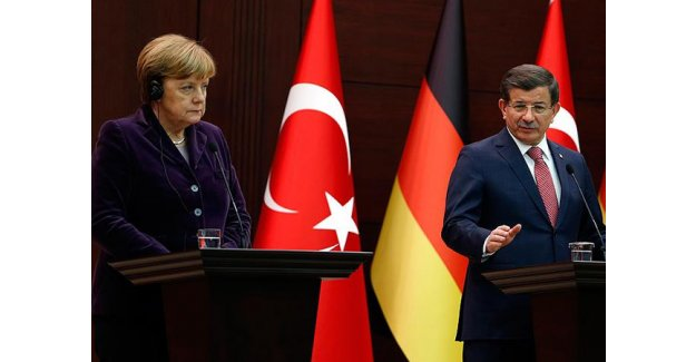 Davutoğlu ve Merkel'den ortak açıklama