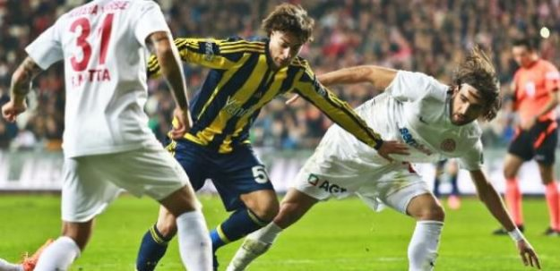 Fenerbahçe Antalya'da dağıldı!