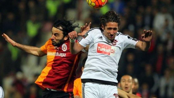 Galatasaray deplasmanda yine kazanamadı