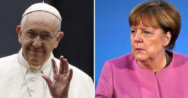 Papa'dan Merkel itirafı!