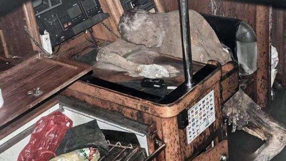 Filipinler'de okyanusta bulunan yatta 'mumya' dehşeti