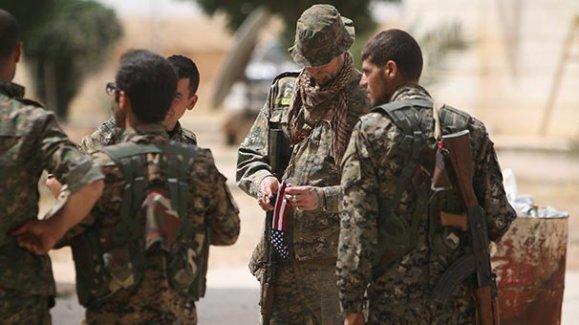 ABD'nin uygunsuz dediği YPG arması hâlâ üniformalarda