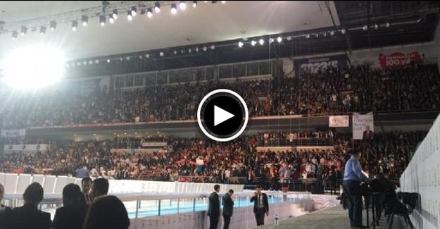 AK Parti'de kongre günü! 'Erdoğan' şarkısı salonu coşturdu