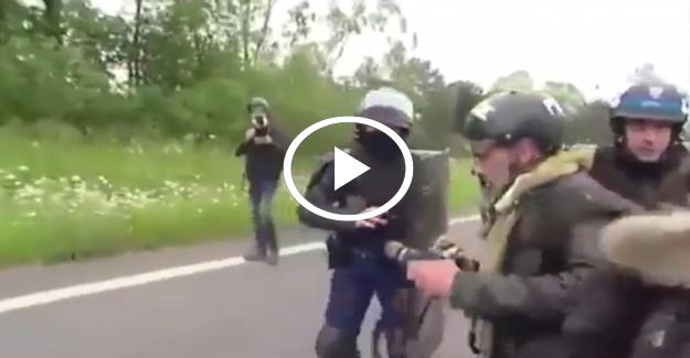 Fransız polisi görüntü alan gazetecileri hırpaladı İZLE
