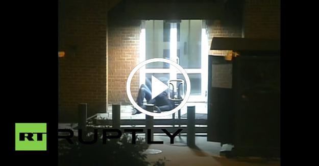 Rus polisi ABD'li diplomata saldırdı