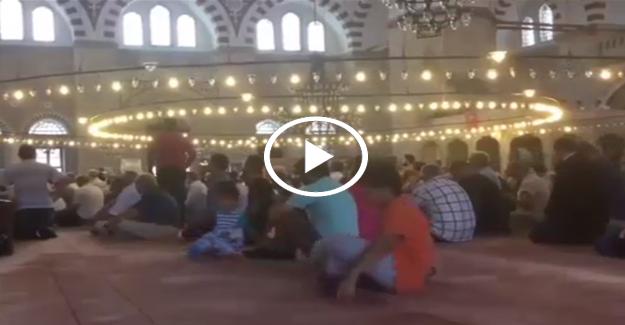 Erdoğan şehitler için Kur'an okudu