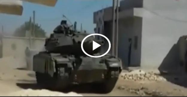 Türk tankları El Bab'a giriyor