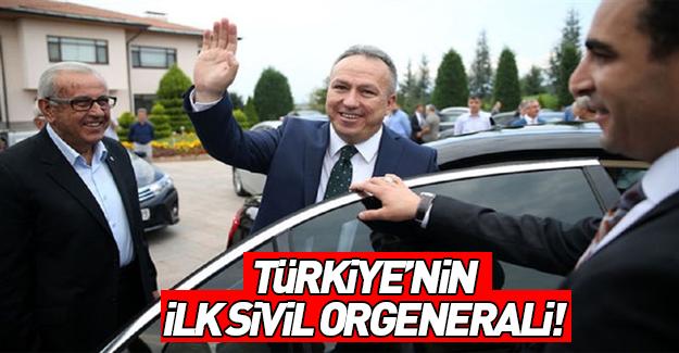 Türkiye'nin ilk sivil orgenerali Ali Fidan oldu
