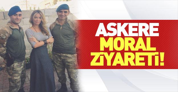 Gamze Özçelik'ten Karkamış sınırındaki askerlere destek