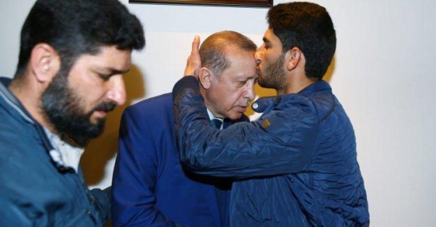 'Tek ümidimiz, ağabeyimiz Erdoğan'